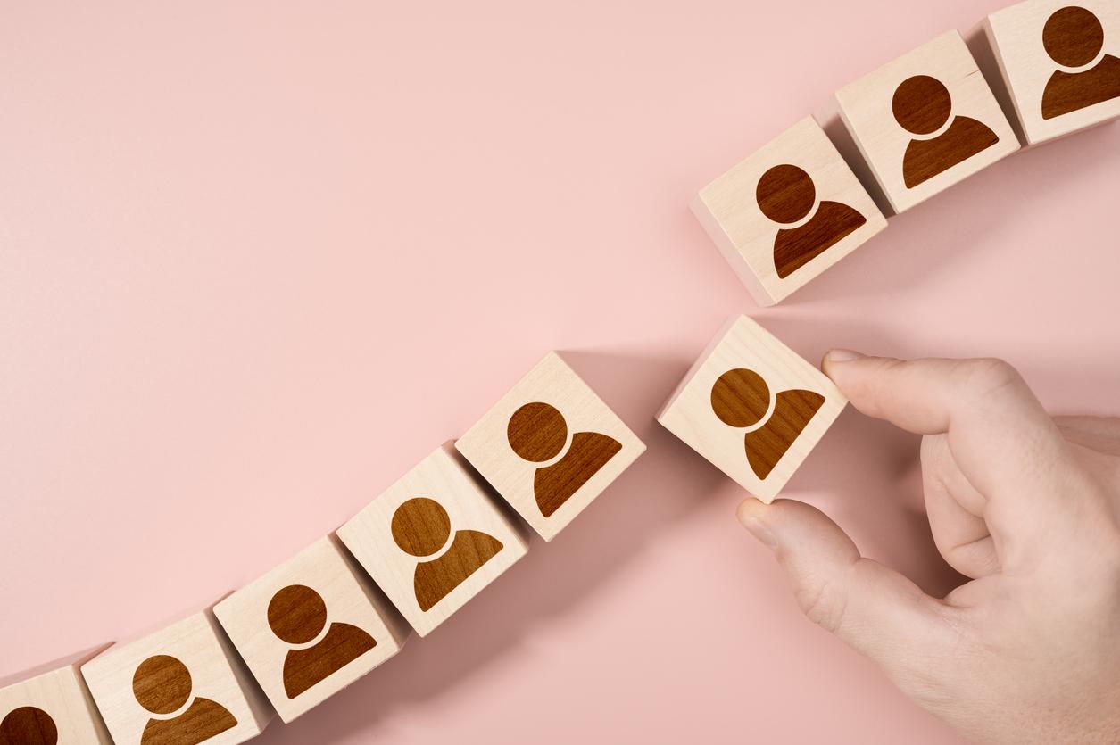 Headhunting With Employee Benefits